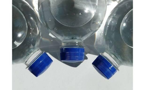 روزانہ دو لیٹر پانی پینے سے جسم میں کیا تبدیلی آتی ہے؟ آسٹریلوی ماہر نے واضح کردیا