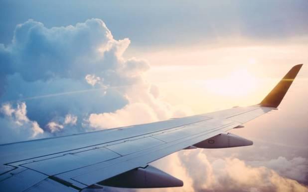 لینڈنگ کی کوشش کے دوران جہاز کے ٹائر سےلاش برآمد لیکن یہ شخص وہاں تک پہنچا کیسے?