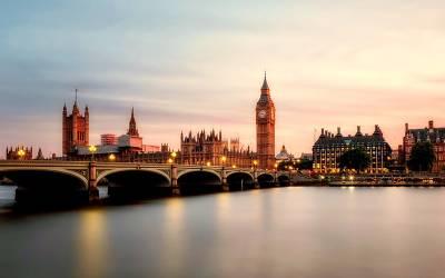 لندن میں مسلمان خاتون کا حجاب زبردستی اتار دیا گیا