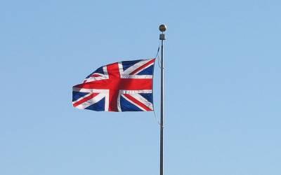 برطانیہ میں کس ملک سے تعلق رکھنے والوں کو سب سے زیادہ تنخواہ ملتی ہے؟ پاکستانیوں کا کون سا نمبر ہے؟ جان کر آپ کو بھی حیرت ہوگی