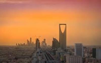 سعودی عرب میں بھی تبدیلی ، خواتین کو سگریٹ نوشی کی بھی اجازت مل گئی
