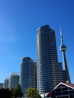 toronto-cn-tower-waterfront-skyscrapers