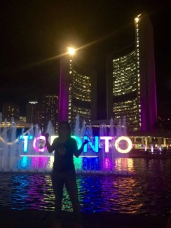 So, landed in Toronto and went to explore straight from the airport. Well, hello Toronto, love the colours! 🇨🇦🏙🌃