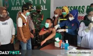 Wakil Bupati Gorontalo Saksikan Vaksinasi Puluhan Tenaga Kesehatan