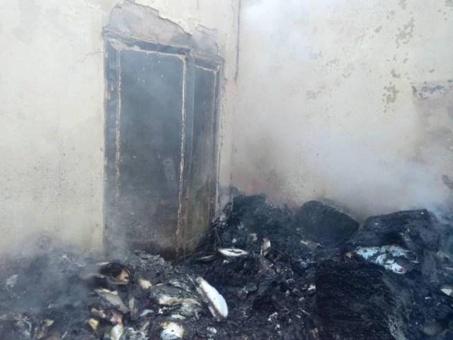 2019 Guber[PHOTOS]: INEC office set ablaze in Akwa Ibom 3