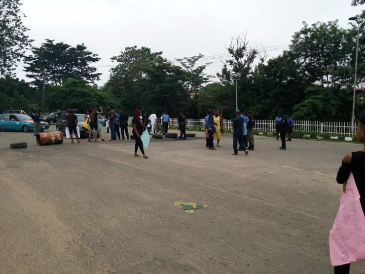 breaking: ondo youths shut down gov. akeredolu's office BREAKING: Ondo youths shut down Gov. Akeredolu's office 8287CB18 855C 4651 9C0F 5D5E85EF2668