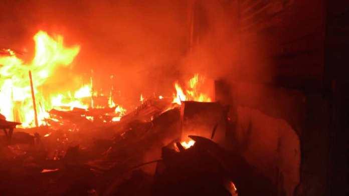 Berger Ojodu market fire incident Fire raze  Sapele Market, destroy properties worth several millions