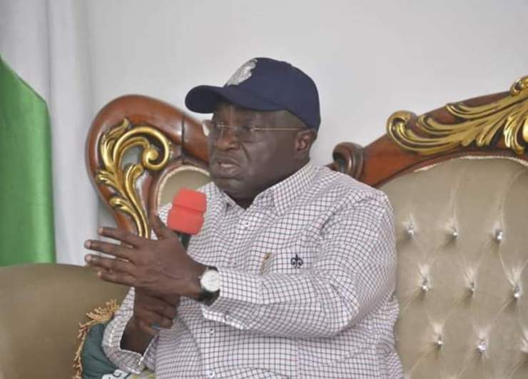 Ikpeazu salutes NUJ for orderly conduct, lauds Isiguzo's reelection