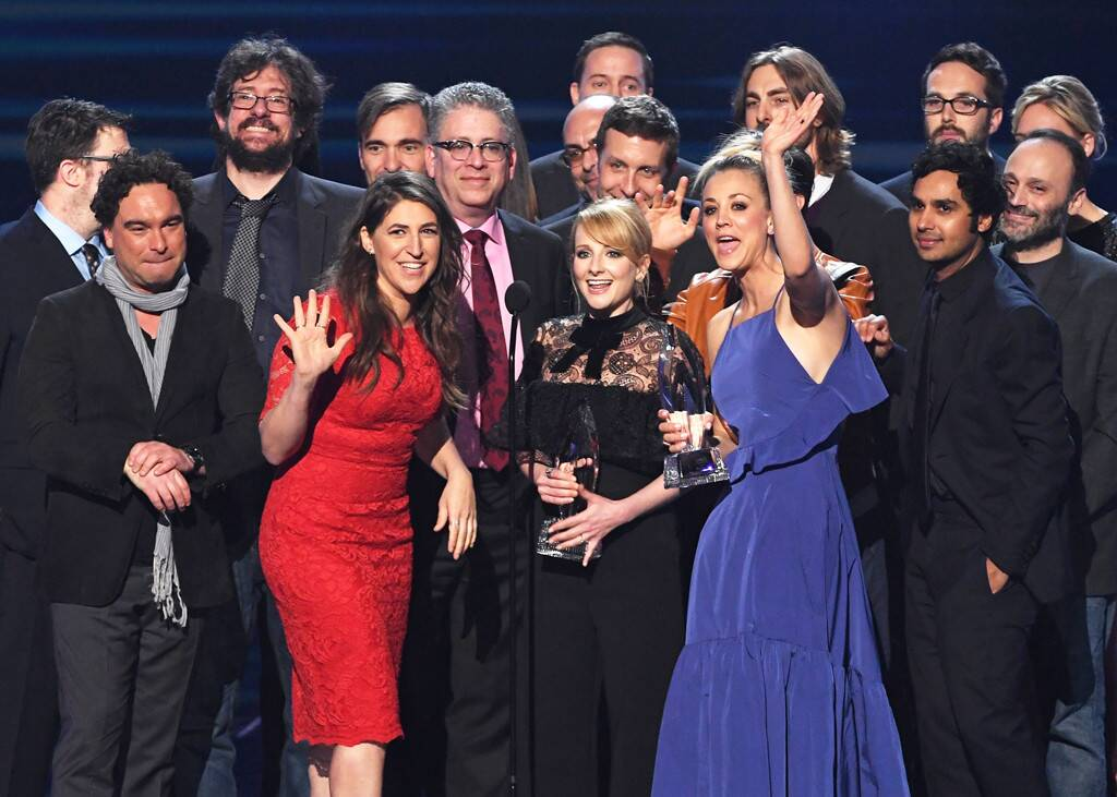 The Beautiful Bond Of The Big Bang Theory's Cast-