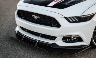 2015-Ford-Mustang-GT-Apollo-Edition-105-876x535