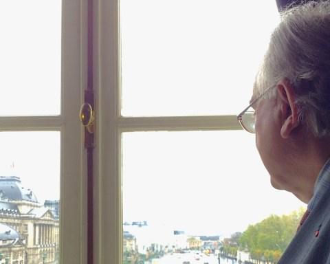 De son bureau, le Secrétaire perpétuel de l'Académie royale jette un certain regard sur le pays, son histoire, son avenir.