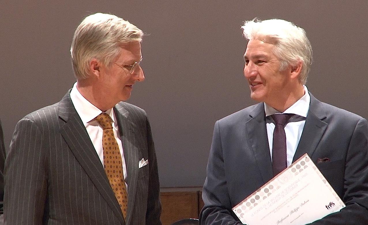 Le Pr Philippe Dubois (à droite), nouveau recteur de l'Université de Mons.
