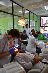 Clinique de contrôle dentaire, Népal