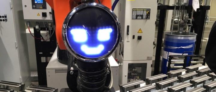Dans l'environnement bruyant de l'usine, c'est de manière visuelle que le cobot communique avec l'opérateur. Cliquer pour agrandir)