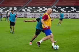فیفا کے صدر ورلڈ کپ دو ہزار بائیس کی تیاریوں کا جائزہ لینے قطر پہنچ گئے
