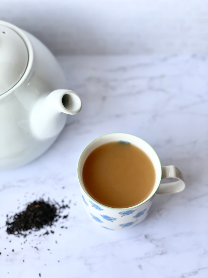 english breakfast tea with milk and sugar