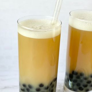 oolong milk tea with boba