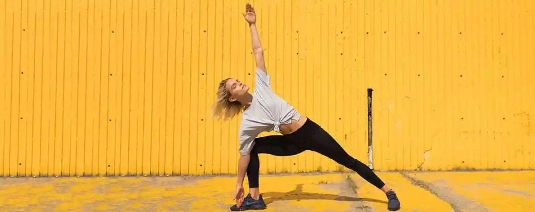 women yoga en beauty finds Jules' Self-Care Gift Guide