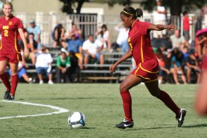 Falling short · Senior defender Meagan Holmes said her team, which allowed Mexico two late-half goals, didn't finish off halves strong enough. - Carlo Acenas | Daily Trojan
