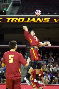 Finishing strong · Sophomore Ben Lam (center) and the Trojans have just two regular season games left, against UCSB and UCLA. - Ralf Cheung | Daily Trojan