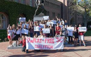 Sweat-free 'SC · The Student Coalition Against Labor Exploitation protested the use of sweat shop labor March 13 in front of Tommy Trojan.  - Ralf Cheung | Daily Trojan