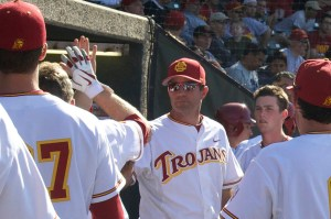 Welcome back · USC head baseball coach Dan Hubbs (left, facing forward) led the Trojans to a 10-20 conference record in 2013, which was good for a tie for eighth-place in the always-difficult Pac-12. - Daily Trojan file photo