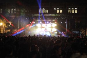 Rocking out · Students start off the school year with a bang at the Welcome Back Concert held at McCarthy Quad on Sunday night. - Matt Zheng | Daily Trojan
