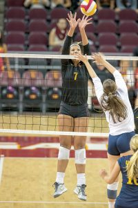 Up to the challenge · Freshman outside hitter Ebony Nwanebu has 122 kills on the season, ranking second on the team in that category. - Ralf Cheung   Daily Trojan