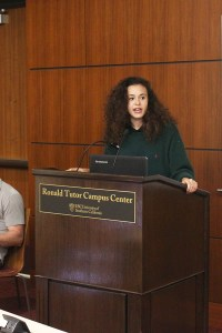 Change · Naomi McPherson, an executive board member for the USC Change Movement, speaks about students' testy relationship with law enforcement on Wednesday night. - Jessica Zhou | Daily Trojan