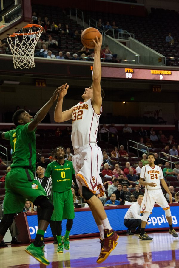 In Photos: USC men's basketball falls to Oregon Ducks ...