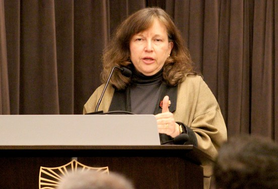 Julia Erickson | Daily Trojan Shaping faith · Diane Winston, an associate professor at the USC Annenberg School of Communication and Journalism and the Knight Center Chair in Media & Religion, spoke on modern perceptions of religion Tuesday.
