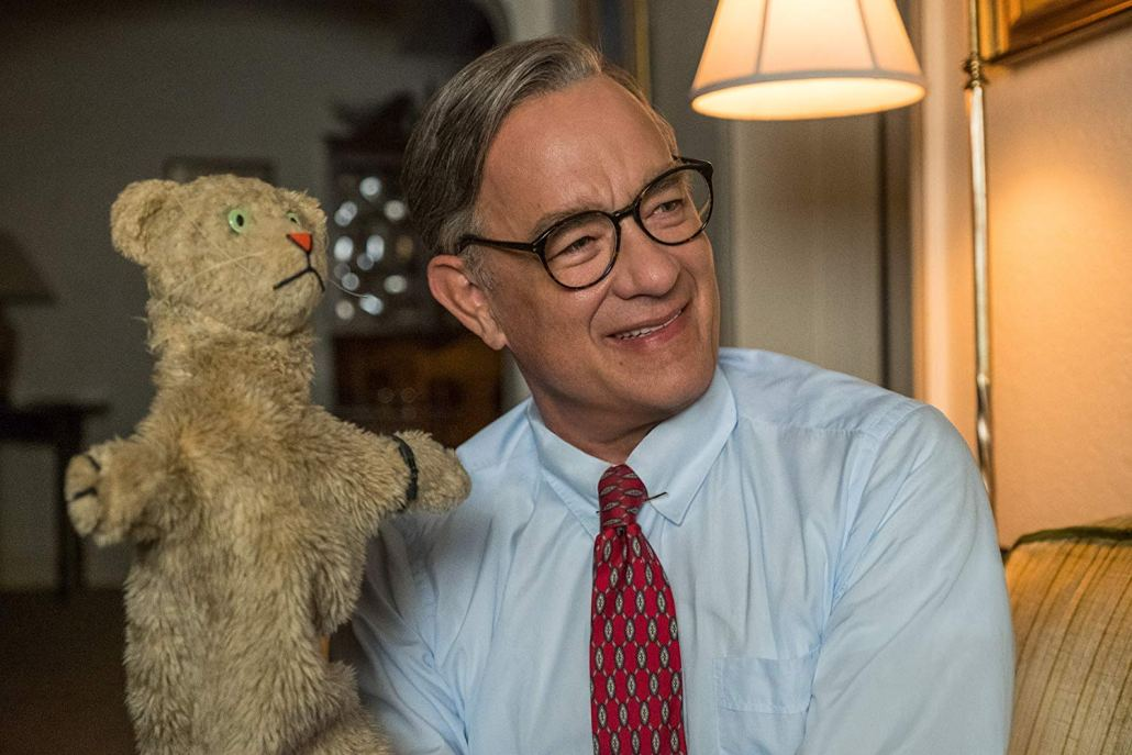 Review Tom Hanks Biopic Honors Mister Rogers Evades Pitfalls Daily Trojan