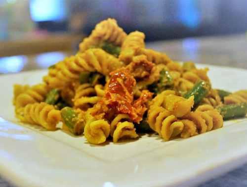 Creamy Vegan Pasta with Tomato Cashew Sauce