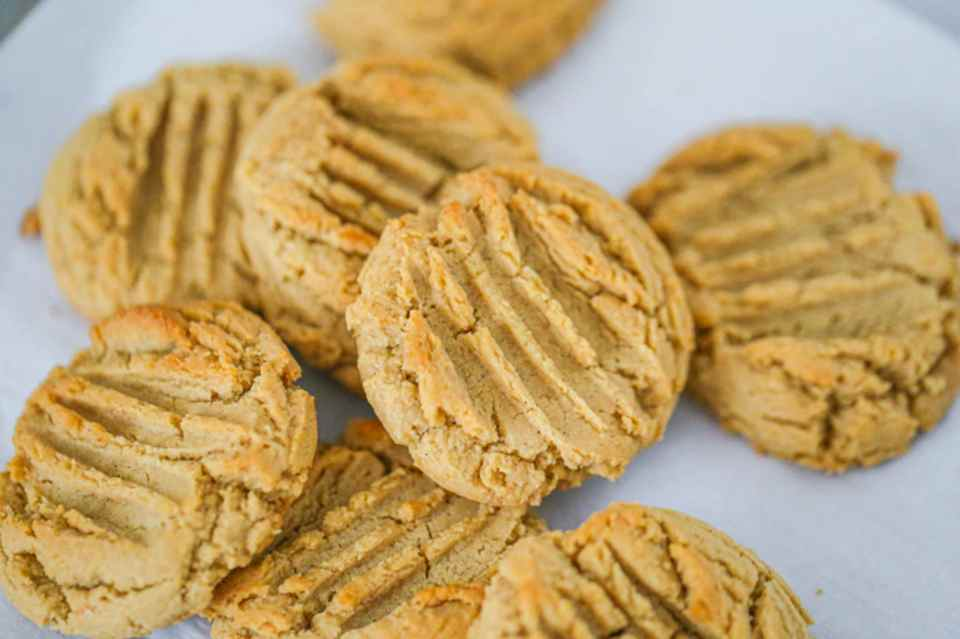 Easy Vegan Peanut Butter Cookies