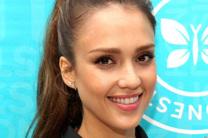 """Jessica Alba Signs Copies Of """"The Honest Life: Living Naturally And True To You"""""""