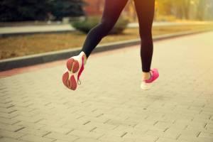 runner,woman running, woman in leggings running, back of shoes