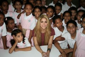 shakira, shakira with children