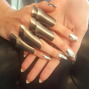 Gigi Hadid nails
