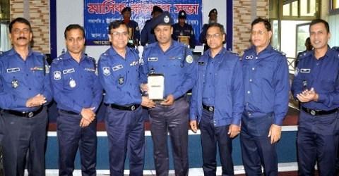 বরিশাল জেলায় শ্রেষ্ঠ: আগৈলঝাড়া থানার ওসি মো. আফজাল হোসেন