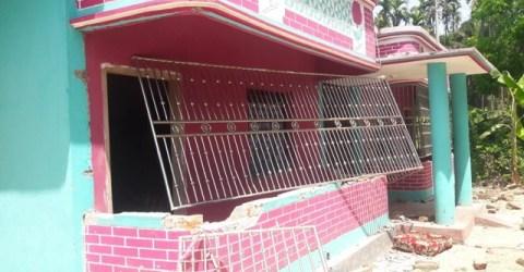 চোর অপবাদ দিয়ে ঘরবাড়ি ভাংচুর, লুটপাট