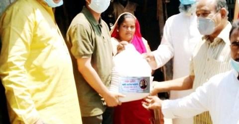 চিতলমারীতে কর্মহীন শ্রমজীবিদের মাঝে খাদ্য সহায়তা প্রদান