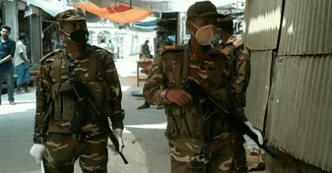 বাগেরহাটে করোনা প্রতিরোধে অভিযান চলাচ্ছে সেনাবাহিনী