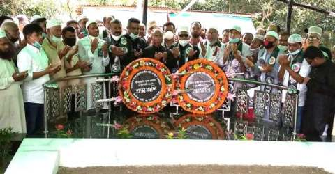 পল্লীবন্ধুর সমাধিতে জাপার কেন্দ্রীয় নেতৃবৃন্দ