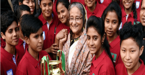 প্রধানমন্ত্রীকে 'দাদি-নানী' বলে শুভেচ্ছা জানাচ্ছেন ফুটবলাররা