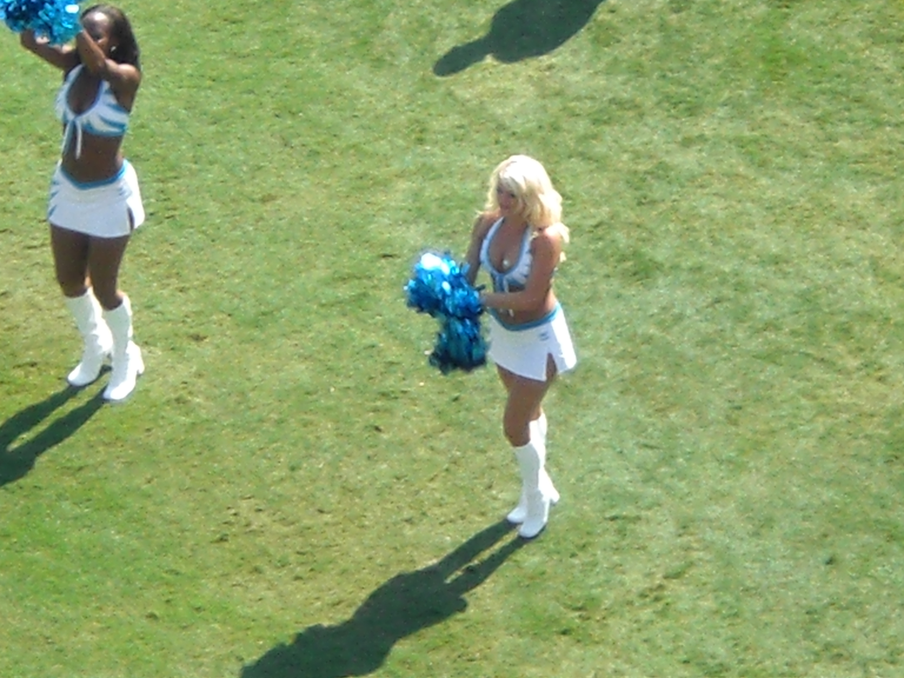 Jill cheering