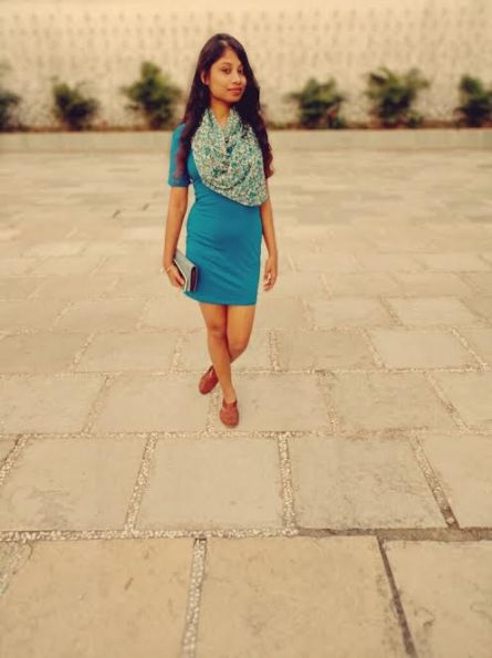 styling dress with scarf