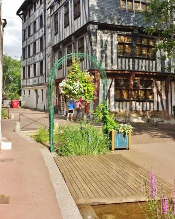 Rue Eau de Robec