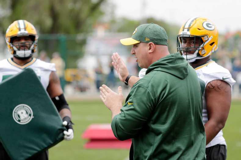 Green Bay Packers: Adam Stenavich Deserves Plenty of Credit for OL's Success