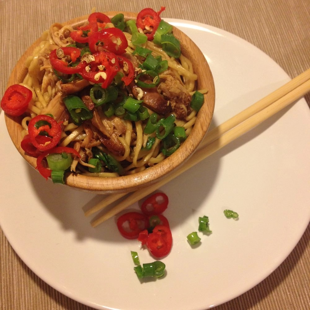 slow cooker chicken recipe, noodle recipe, red chillies, chopsticks