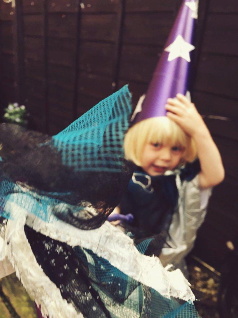 how to make a paper magic wand